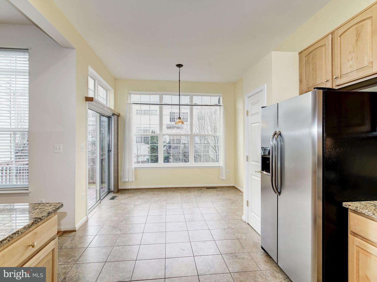 Additional photo for property listing at 6139 Cinnamon Court 6139 Cinnamon Court Alexandria, Virginia 22310 Verenigde Staten