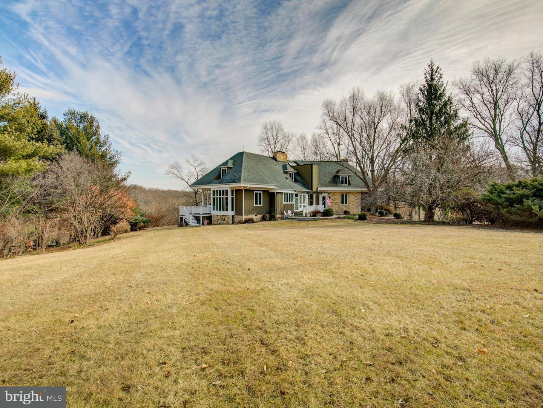 Photo of home for sale at 13214 Orrison Road, Lovettsville VA