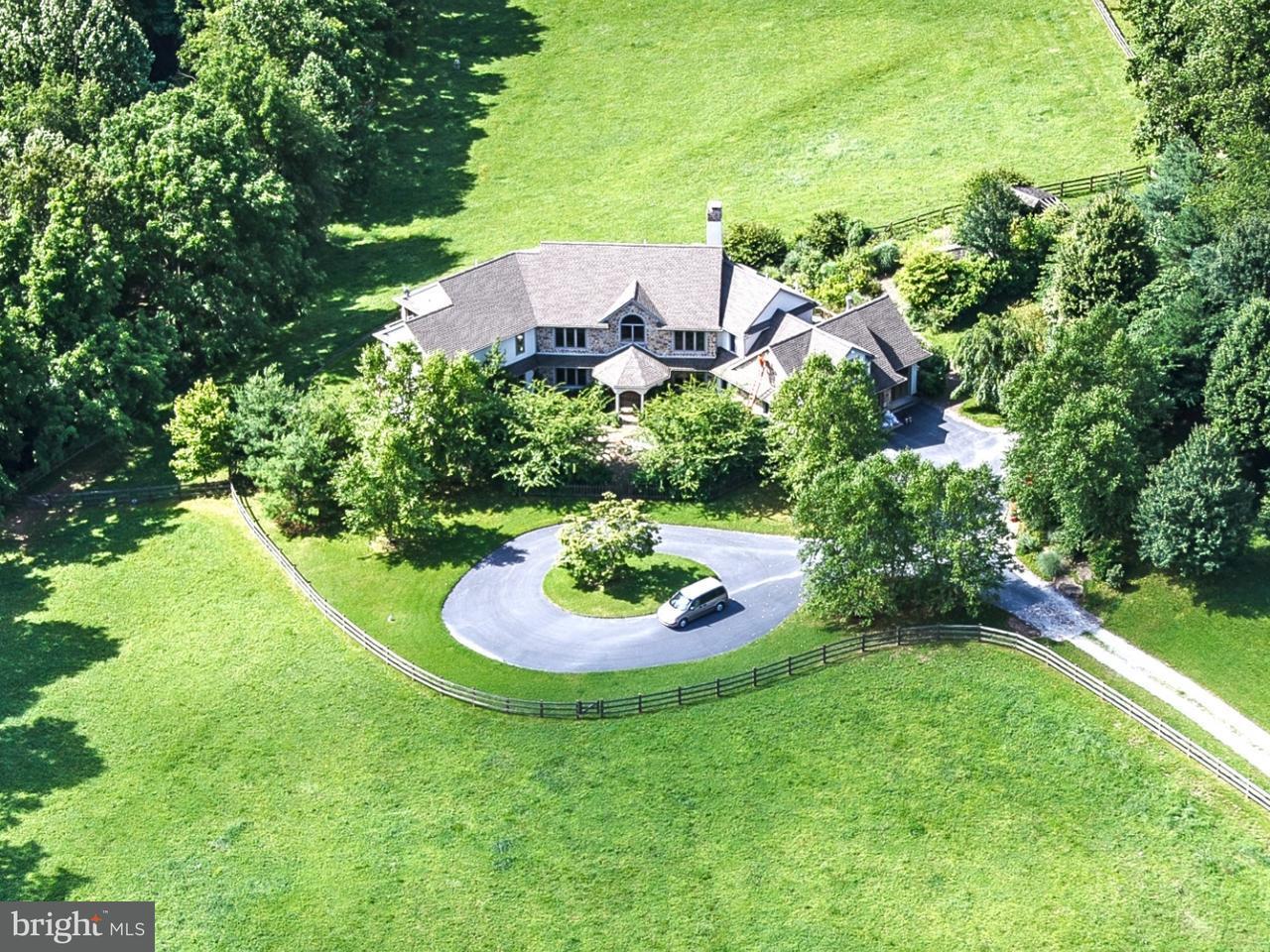 Частный односемейный дом для того Продажа на 438 GROUNDHOG COLLEGE Road West Chester, Пенсильвания 19382 Соединенные Штаты