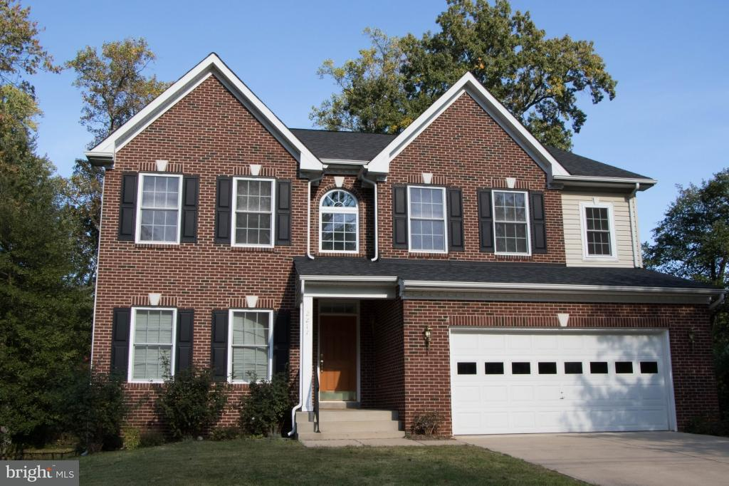 Single Family Home for Sale at 2217 Tulip Drive 2217 Tulip Drive Falls Church, Virginia 22046 United States