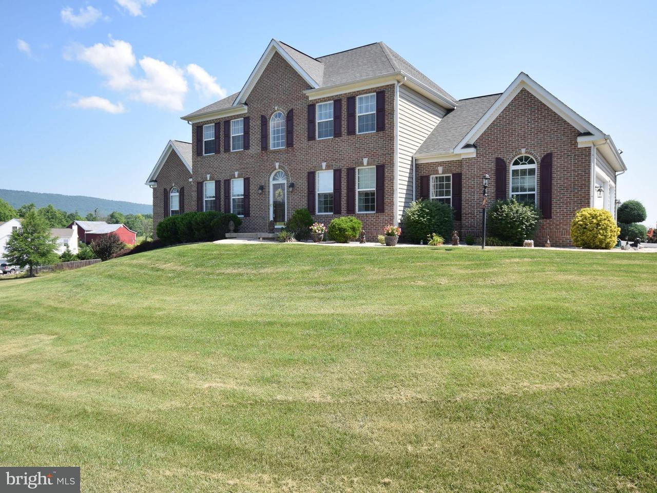Частный односемейный дом для того Продажа на 97 Junction Overlook 97 Junction Overlook Strasburg, Виргиния 22657 Соединенные Штаты