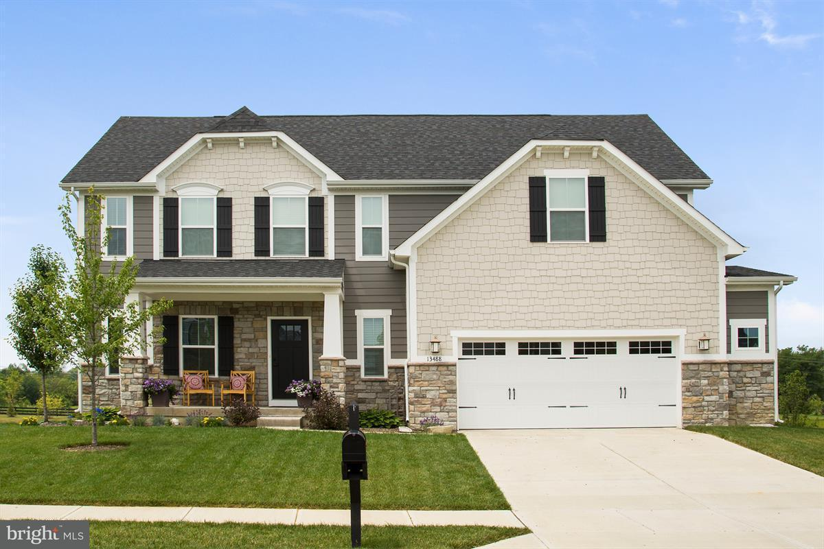 Single Family Home for Sale at 2 Kestral Drive 2 Kestral Drive Mechanicsburg, Pennsylvania 17050 United States