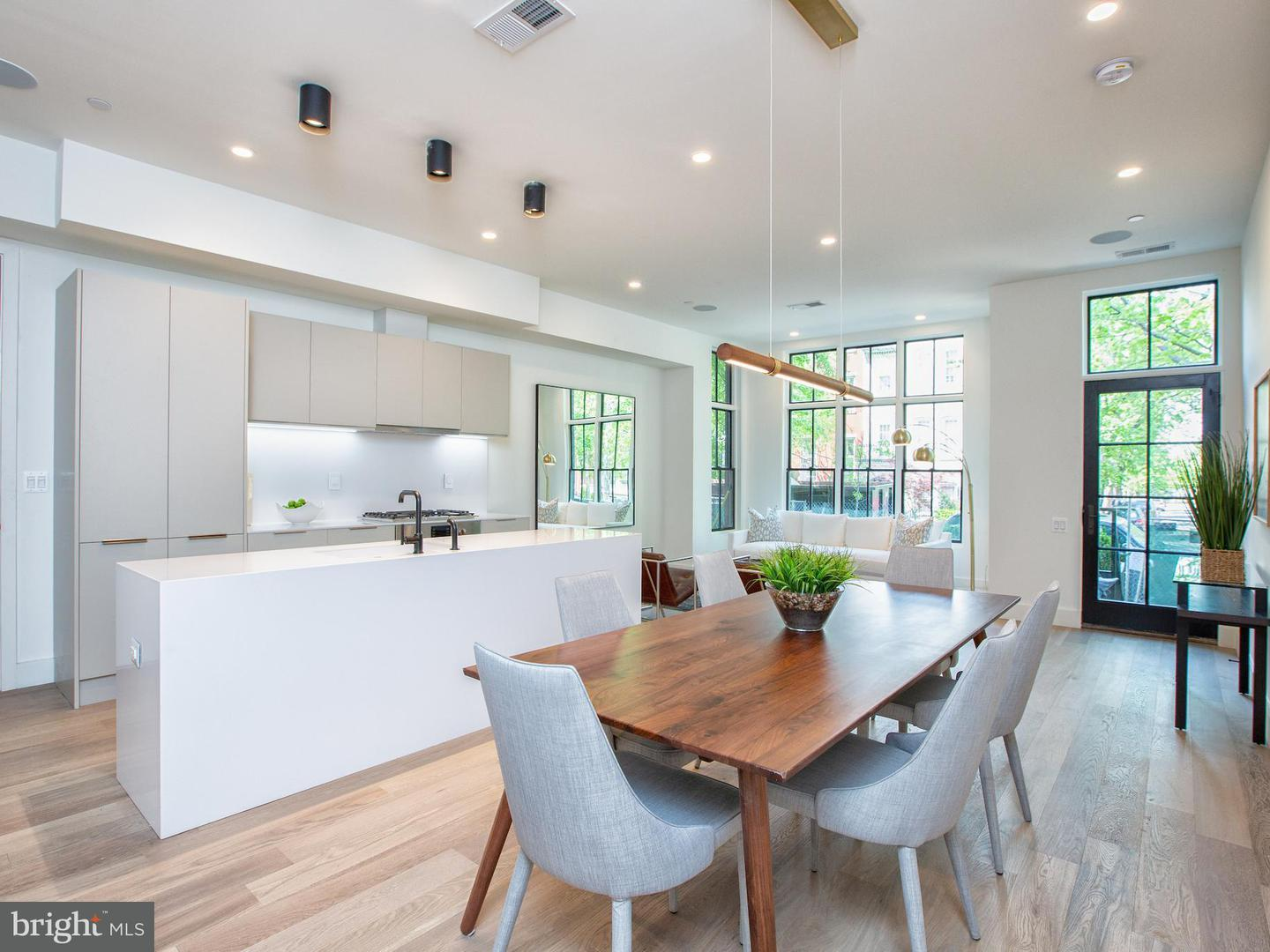 Single Family for Sale at 928 O St NW #2 Washington, District Of Columbia 20001 United States