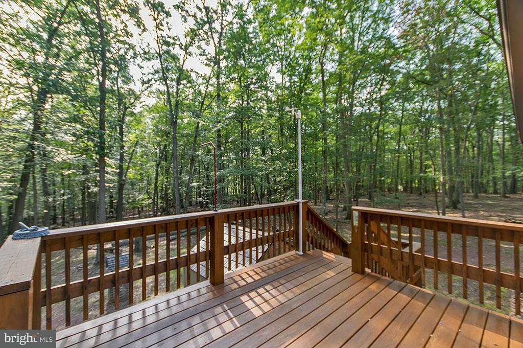 Additional photo for property listing at 252 Honey Locust Lane  Great Cacapon, West Virginia 25422 United States
