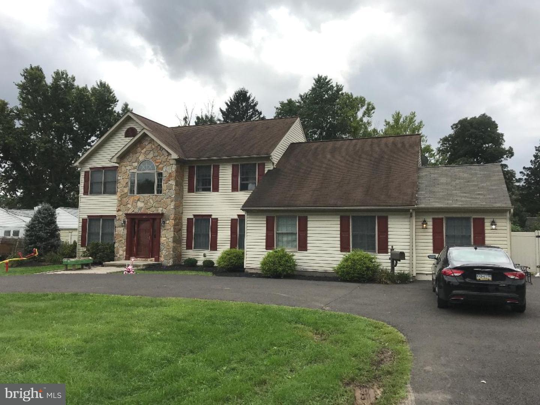 Casa Unifamiliar por un Venta en 1328 CLYDE Road Warminster, Pennsylvania 18974 Estados Unidos