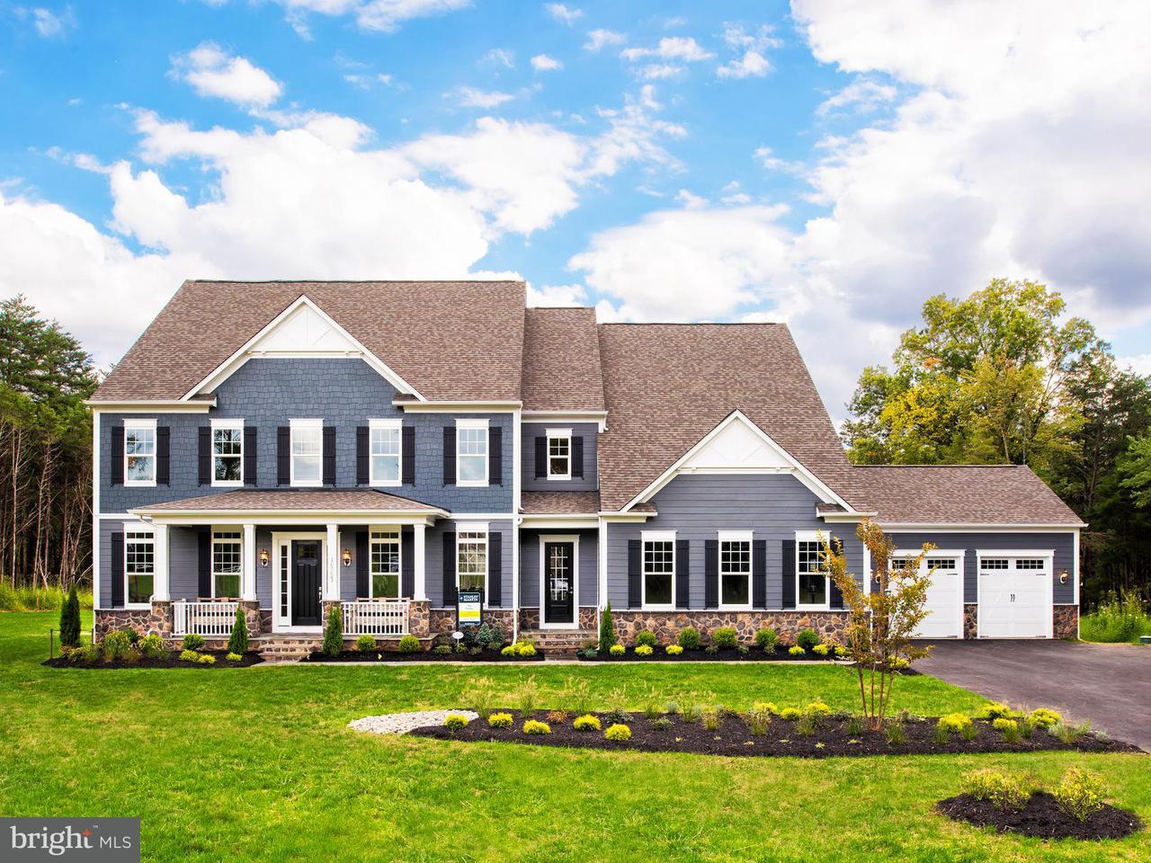 Maison unifamiliale pour l Vente à 16753 Lord Sudley Drive 16753 Lord Sudley Drive Centreville, Virginia 20120 États-Unis
