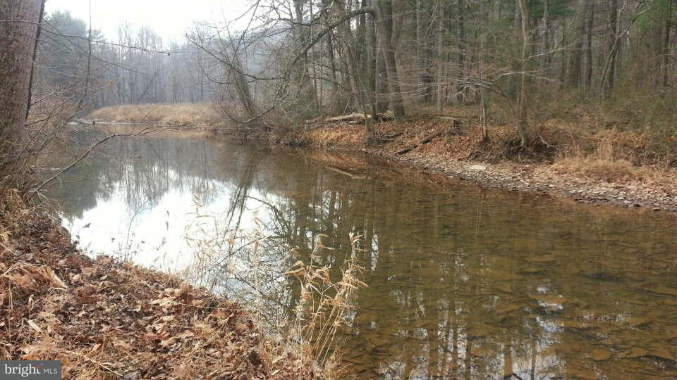 Additional photo for property listing at Winchester Grade Rd  Berkeley Springs, West Virginia 25411 United States