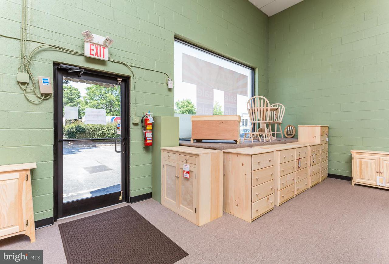 Commercial for Sale at 5641 General Washington Dr #F, S And T 5641 General Washington Dr #F, S And T Alexandria, Virginia 22312 United States