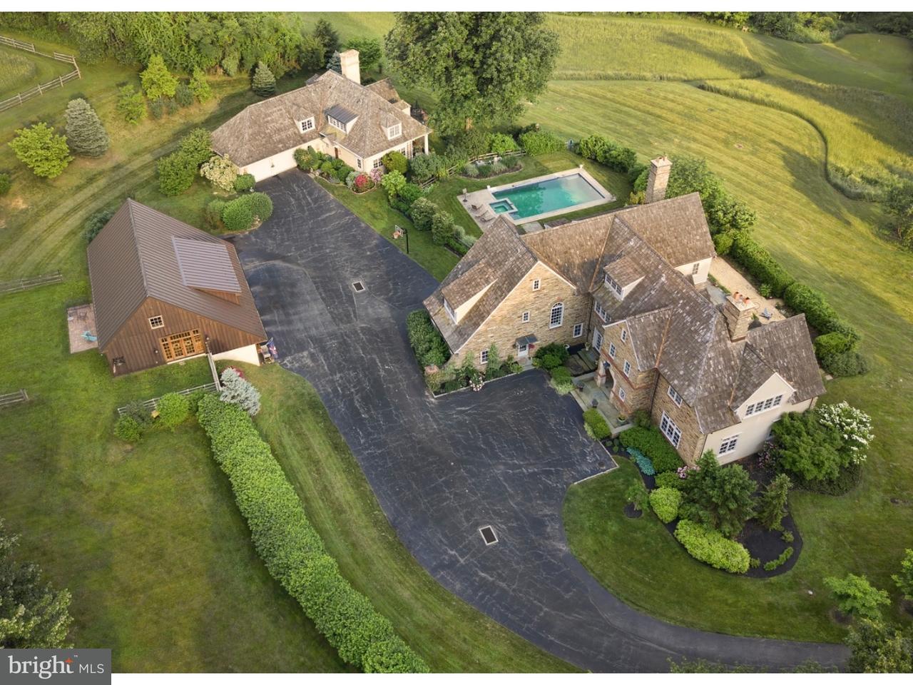 独户住宅 为 销售 在 671 DARBY PAOLI Road 维拉诺瓦, 宾夕法尼亚州 19085 美国