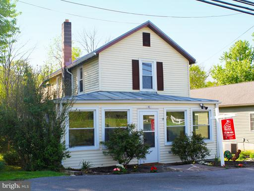 Property for sale at 43 Greenway Ave S, Boyce,  VA 22620