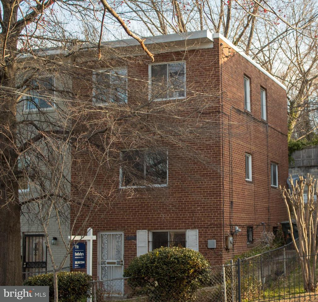 Single Family for Sale at 4302 F St SE Washington, District Of Columbia 20019 United States