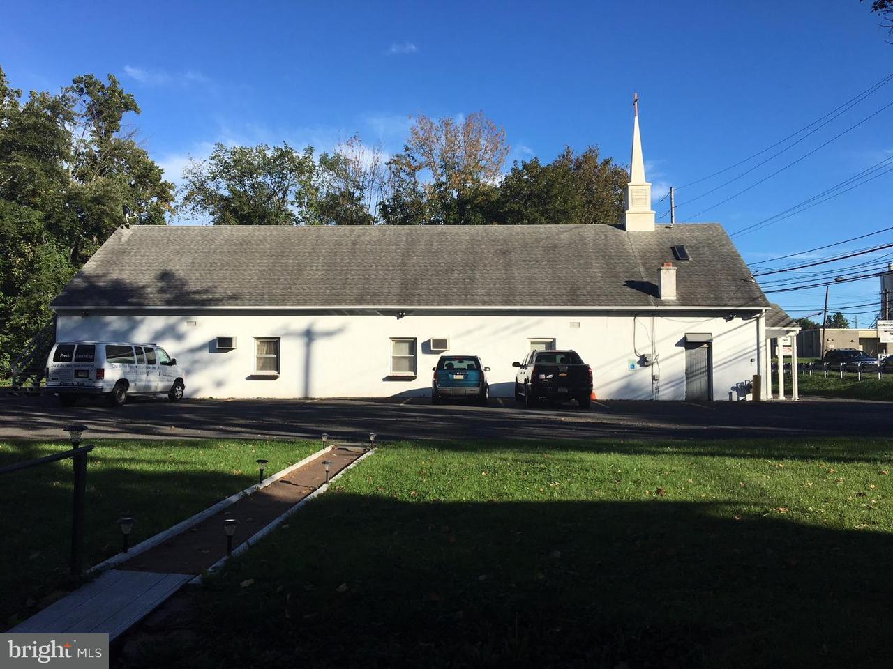 Maison unifamiliale pour l Vente à 245 COUNTY LINE Road Hatboro, Pennsylvanie 19040 États-Unis