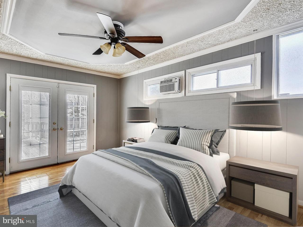 Additional photo for property listing at 10911 Warwick Avenue 10911 Warwick Avenue Fairfax, Виргиния 22030 Соединенные Штаты