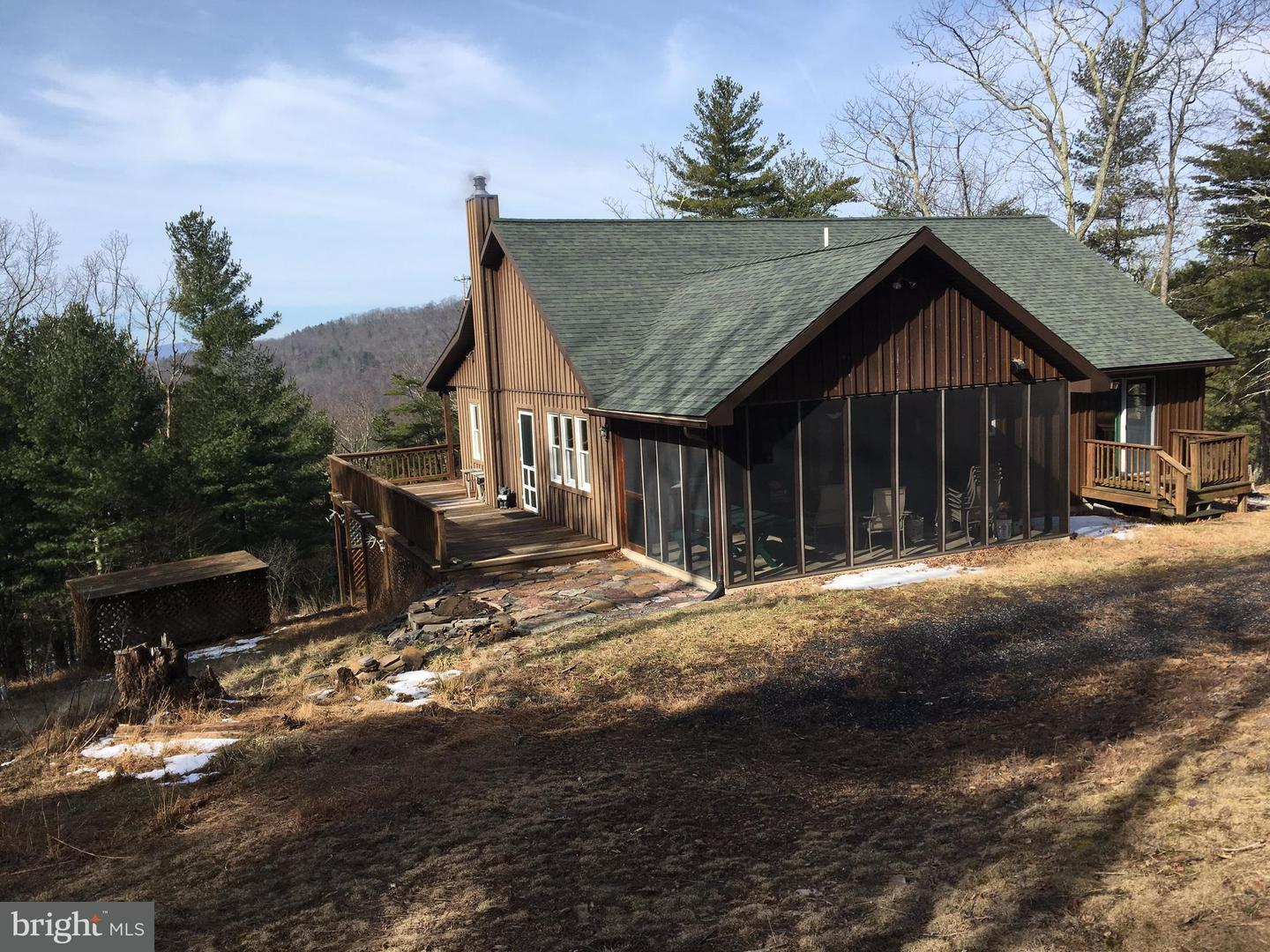 Single Family for Sale at 3366 Dickenson Mountain Rd Franklin, West Virginia 26807 United States