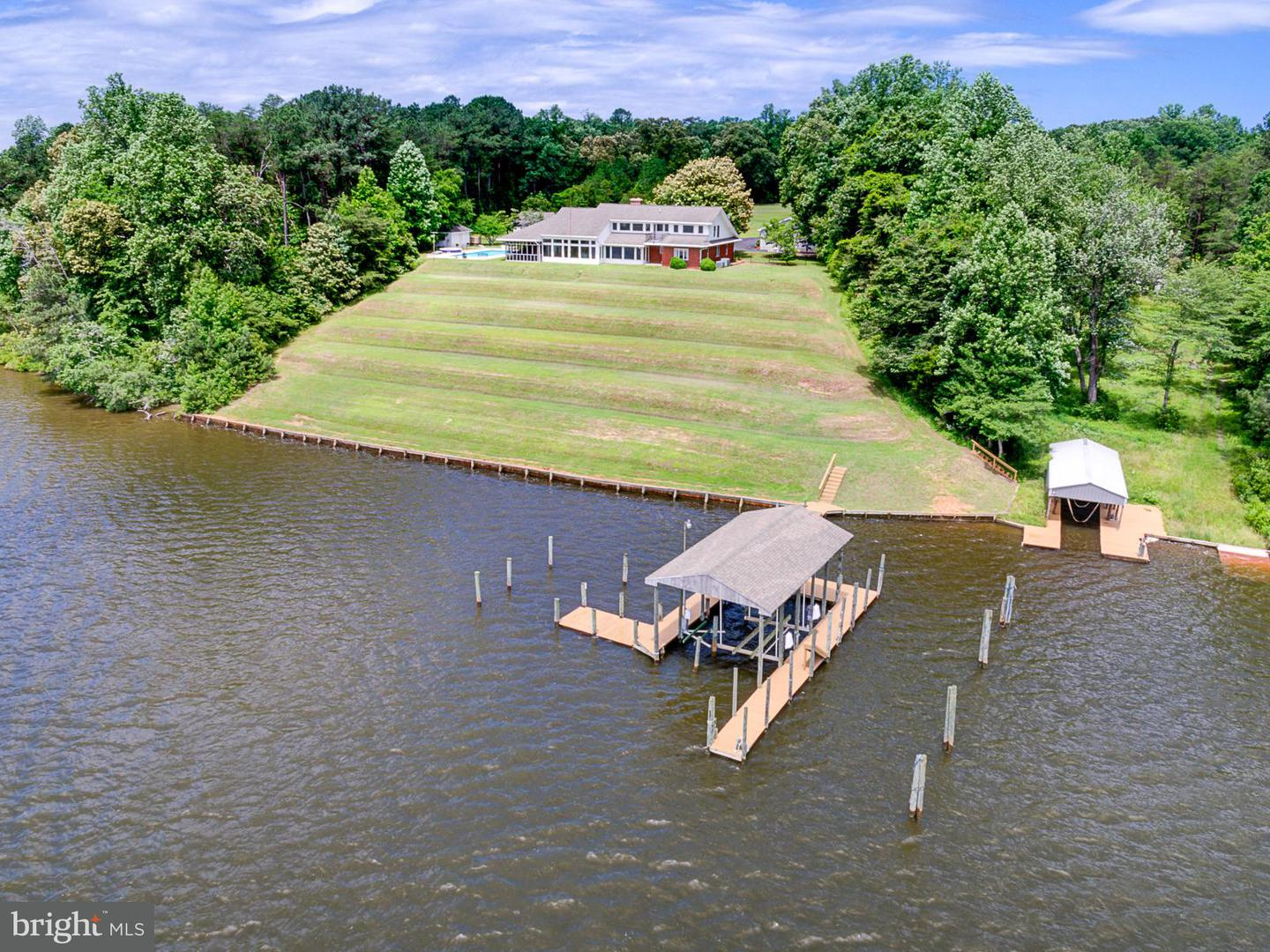 Single Family for Sale at 1395 Cedar Point Rd Callao, Virginia 22435 United States