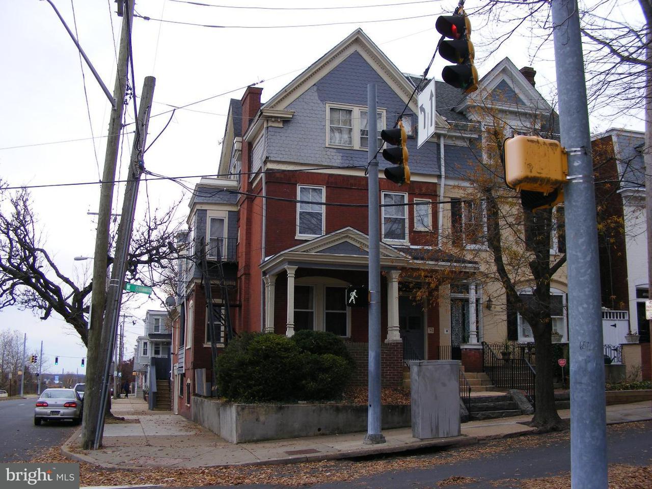 Частный односемейный дом для того Аренда на 1000 W 8TH ST #1B Wilmington, Делавэр 19806 Соединенные Штаты