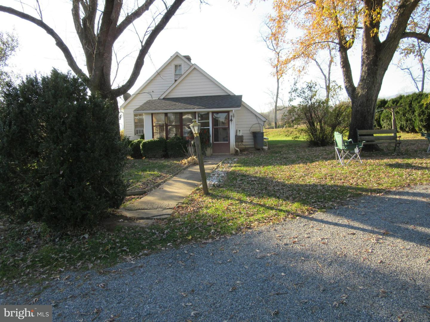 Additional photo for property listing at 13583 Lee Hwy  Washington, Virginia 22747 United States