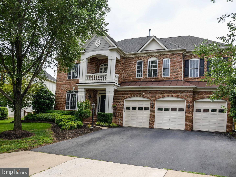 Single Family for Sale at 42729 Ridgeway Dr Broadlands, Virginia 20148 United States