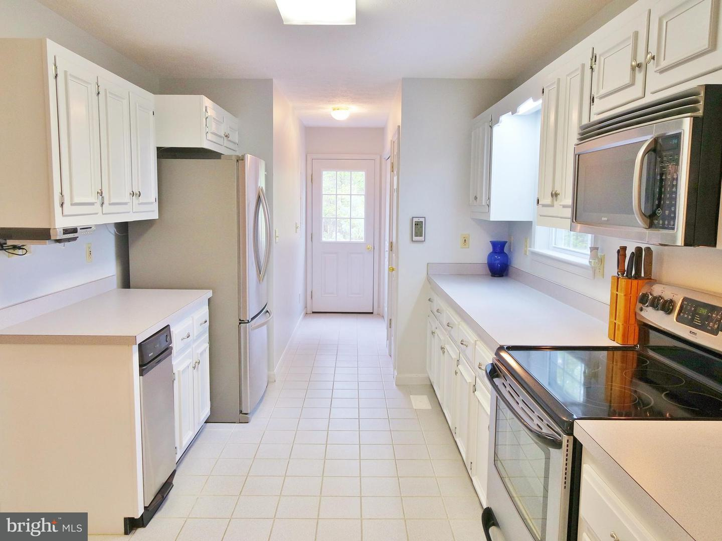 Additional photo for property listing at 122 Forrest St  Basye, Virginia 22810 United States