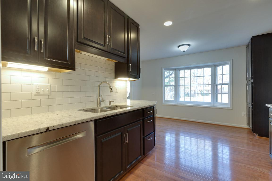 Additional photo for property listing at 1122 Edward Drive 1122 Edward Drive Great Falls, Virginia 22066 United States