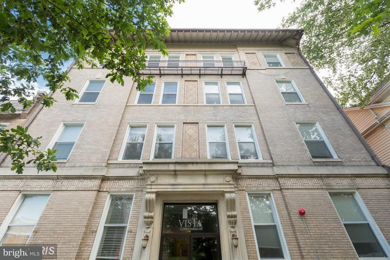 Single Family for Sale at 219 T St NE #204 Washington, District Of Columbia 20002 United States