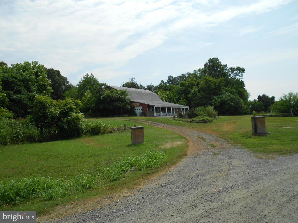 Additional photo for property listing at 6475 Seminole Trl  Rochelle, Virginia 22738 United States