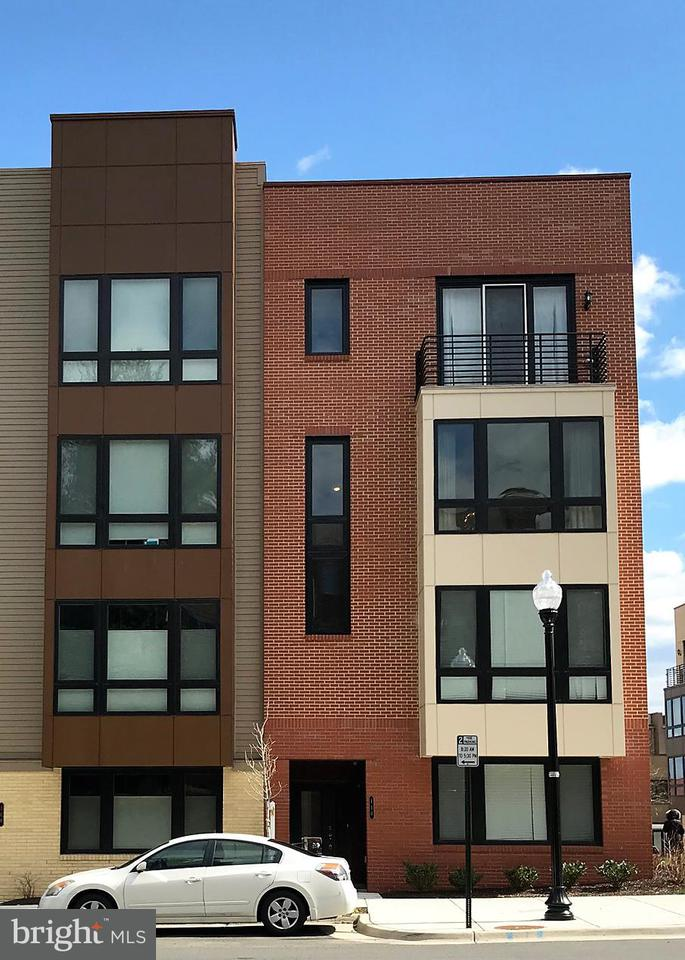 Other Residential for Rent at 110 Pickett St S #102 Alexandria, Virginia 22304 United States