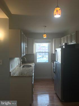 Additional photo for property listing at 443445 20th St Ne 443445 20th St Ne Washington, District Of Columbia 20002 Verenigde Staten