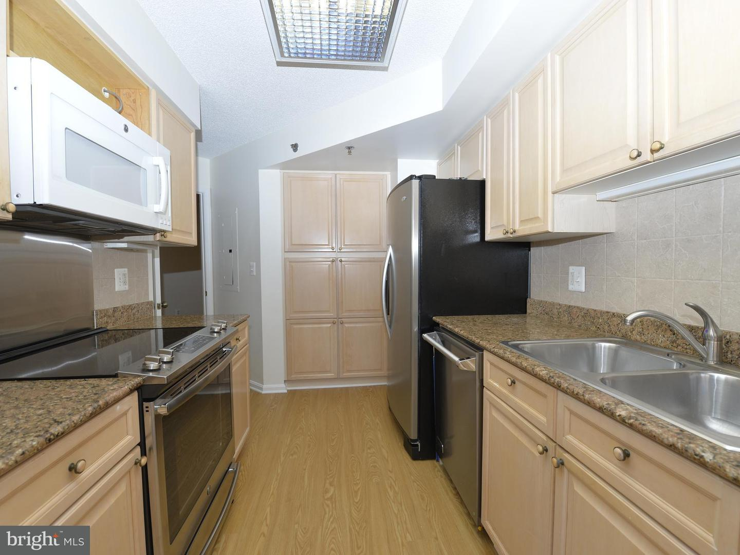 Single Family for Sale at 2181 Jamieson Ave #703 Alexandria, Virginia 22314 United States