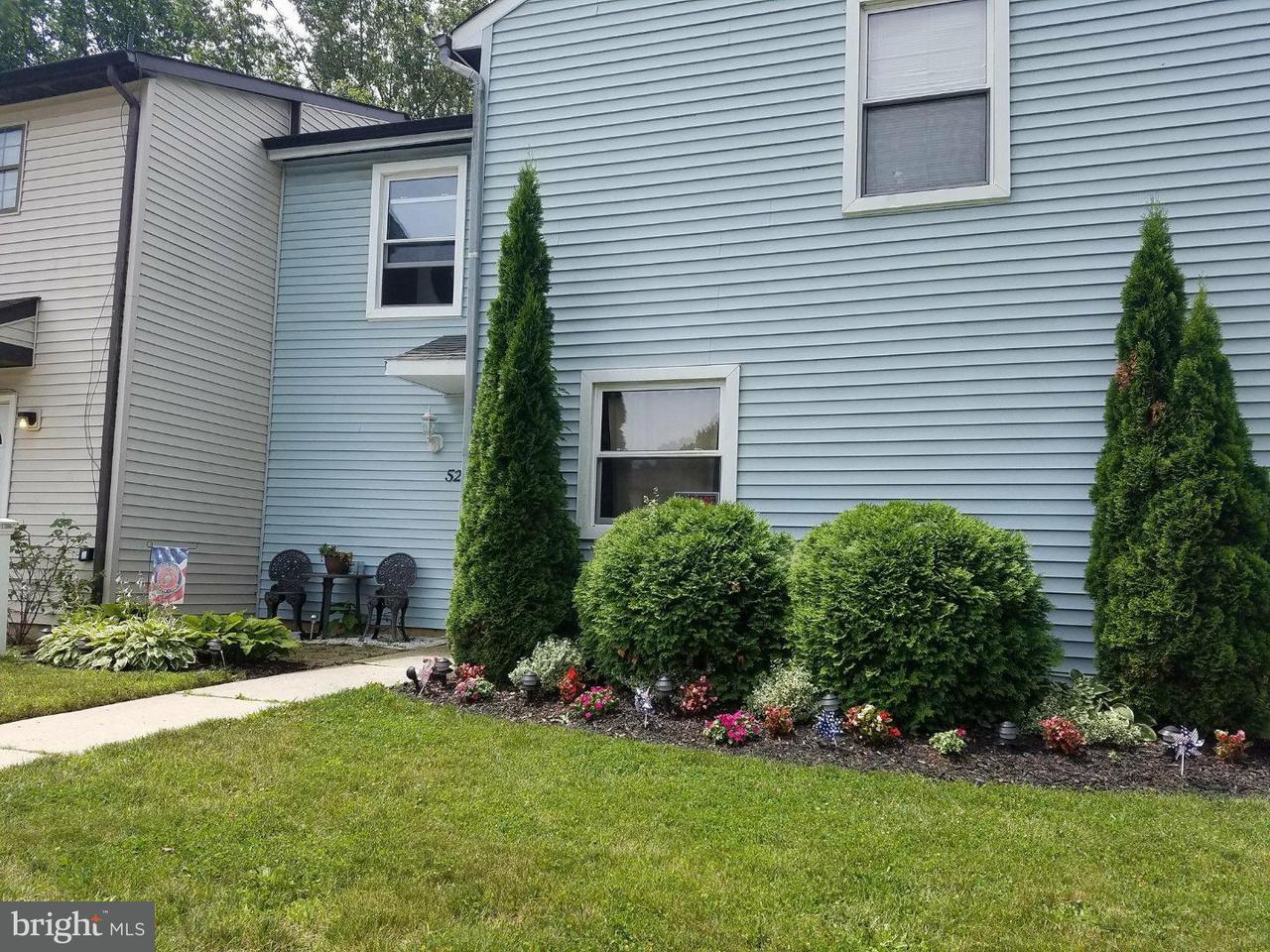 Maison accolée pour l Vente à 52 BROOKSHIRE Road Sicklerville, New Jersey 08081 États-Unis