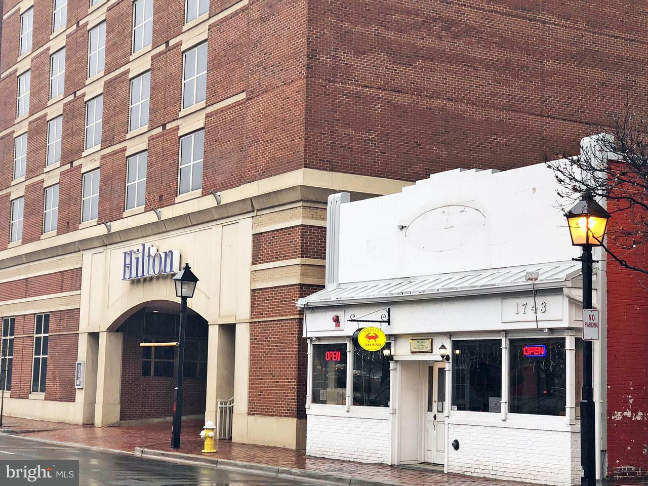 Comercial para Venda às 1743 King Street 1743 King Street Alexandria, Virginia 22314 Estados Unidos