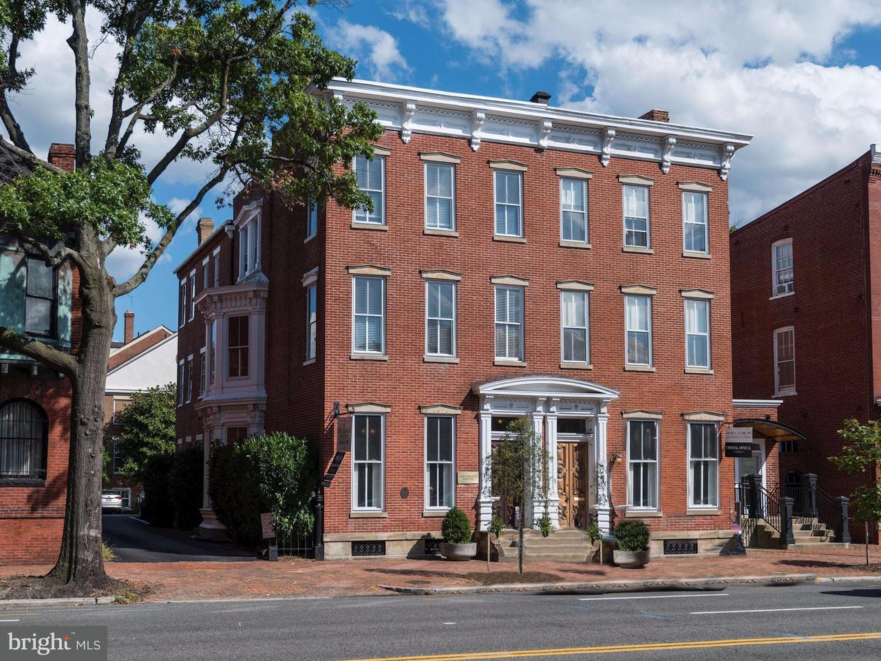 Casa unifamiliar adosada (Townhouse) por un Venta en 413 N Washington St N 413 N Washington St N Alexandria, Virginia 22314 Estados Unidos
