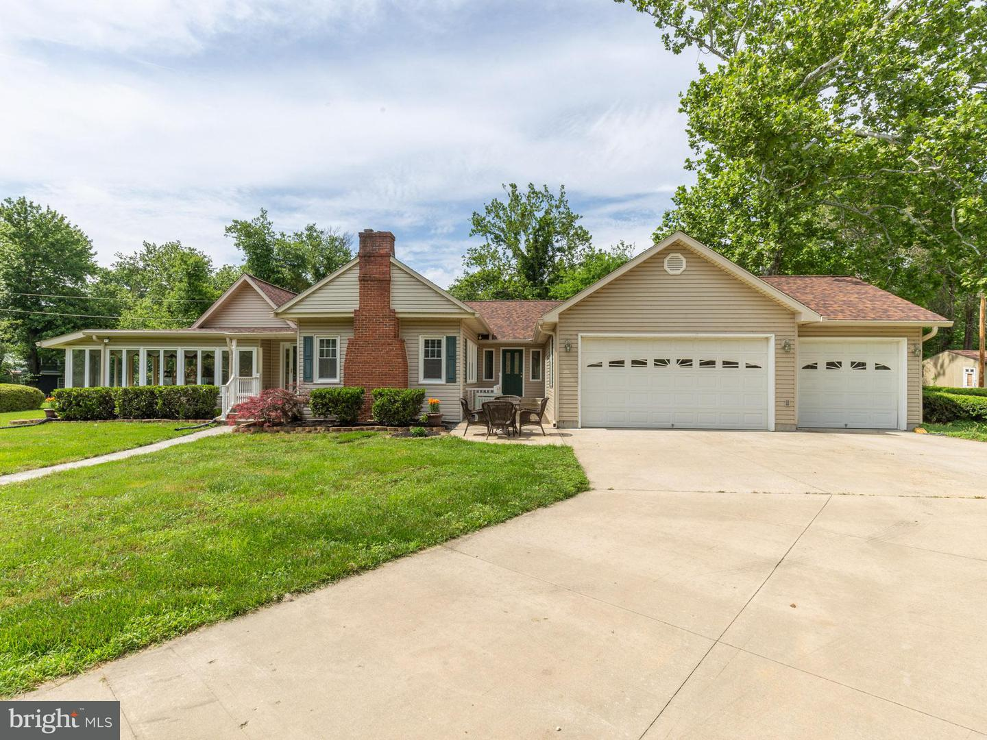 Single Family for Sale at 5700 Fenwick Rd Bryans Road, Maryland 20616 United States