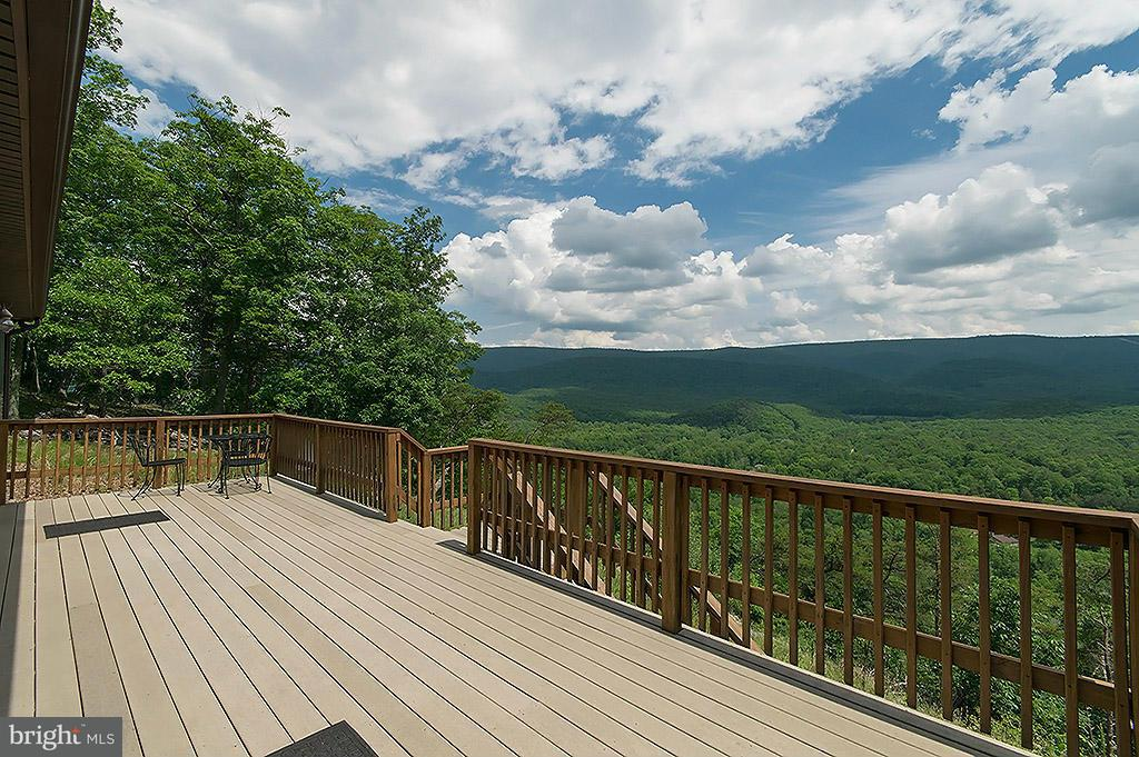 Additional photo for property listing at 205 Spotted Fawn Lane  Great Cacapon, West Virginia 25422 United States