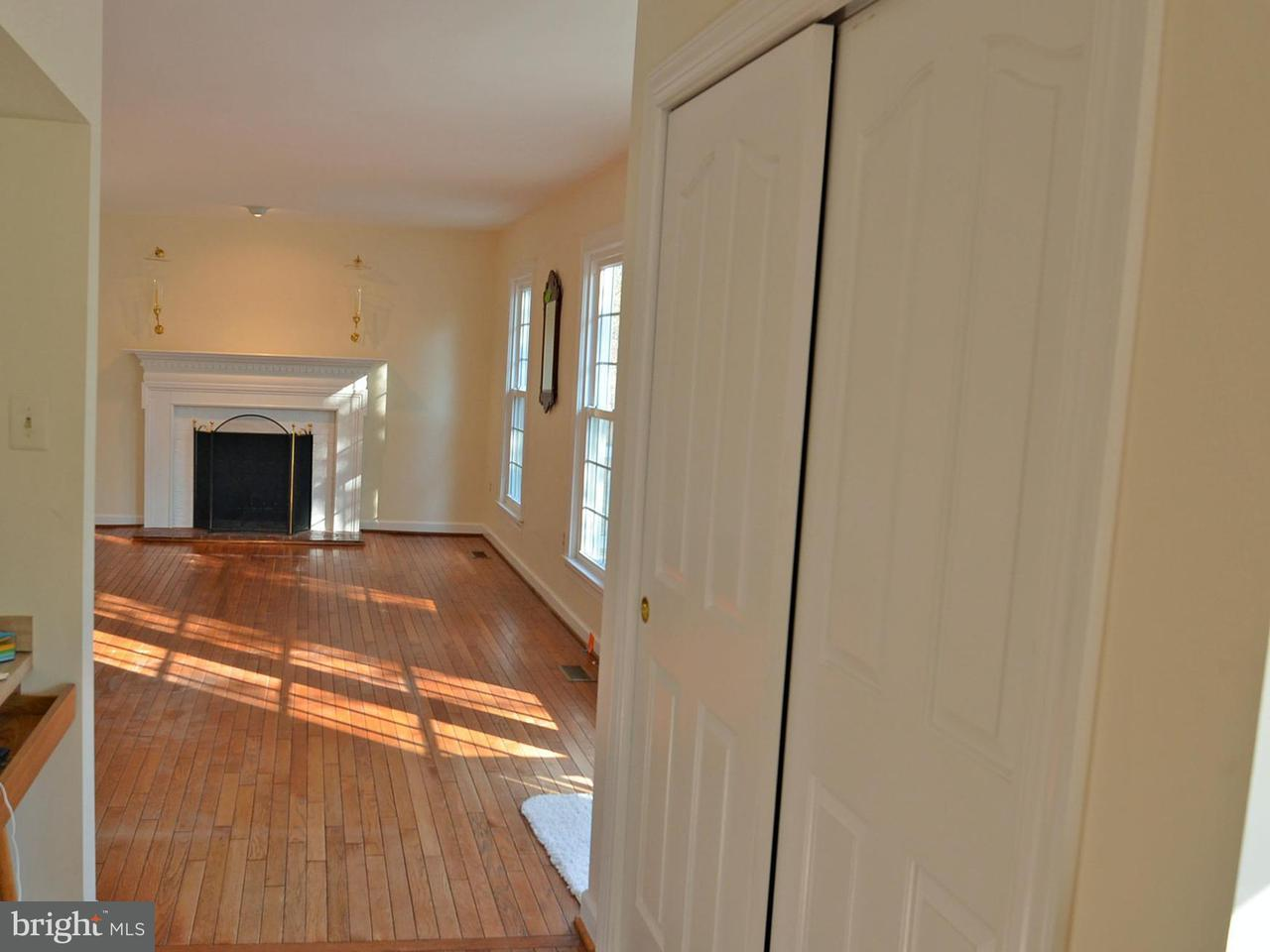 Additional photo for property listing at 15567 Eagle Tavern Lane 15567 Eagle Tavern Lane Centreville, Virginia 20120 États-Unis