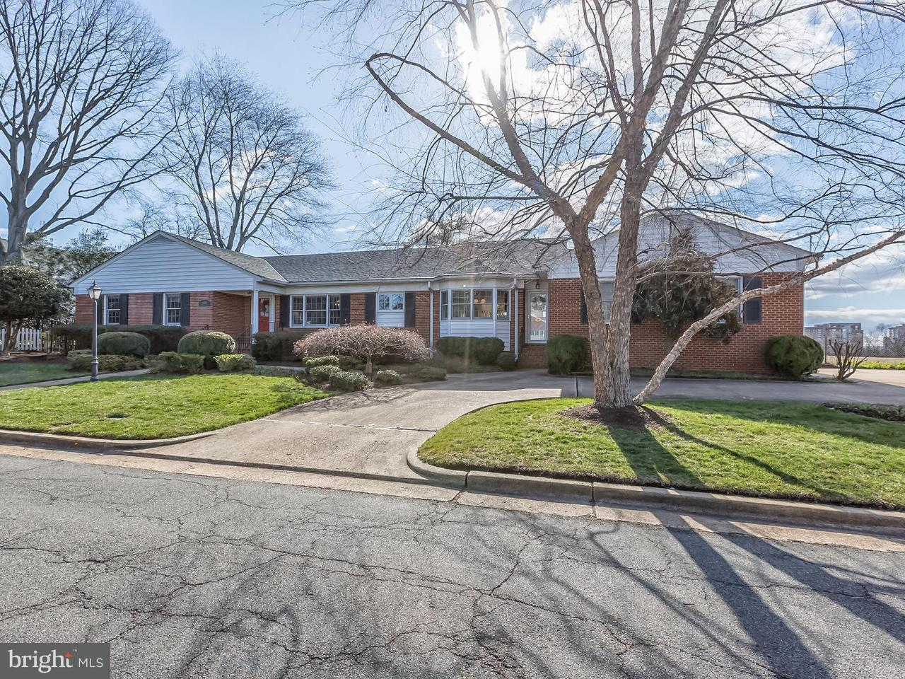 Single Family for Sale at 606 Upland Pl Alexandria, Virginia 22301 United States