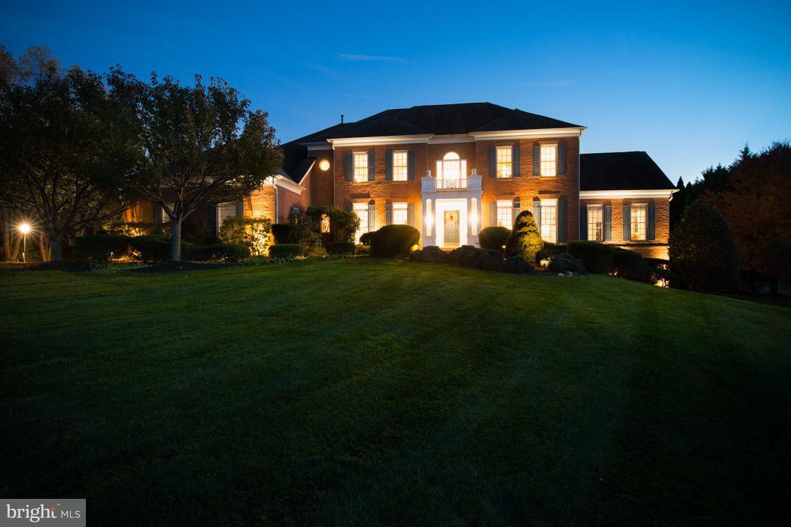 獨棟家庭住宅 為 出售 在 13717 Bold Venture Drive 13717 Bold Venture Drive Glenelg, 馬里蘭州 21737 美國