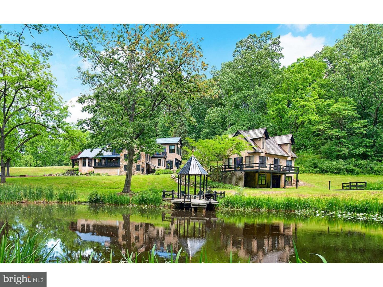 Частный односемейный дом для того Продажа на 3590 LENAPE WAY Riegelsville, Пенсильвания 18077 Соединенные Штаты