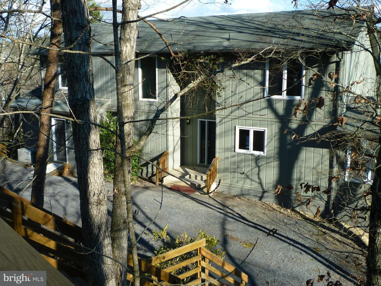 Single Family for Sale at 208 Hoods Point Rd Basye, Virginia 22810 United States