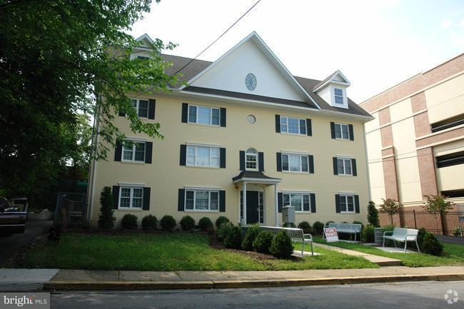 Condominium for Rent at 7302 Yale Ave #100 College Park, Maryland 20740 United States