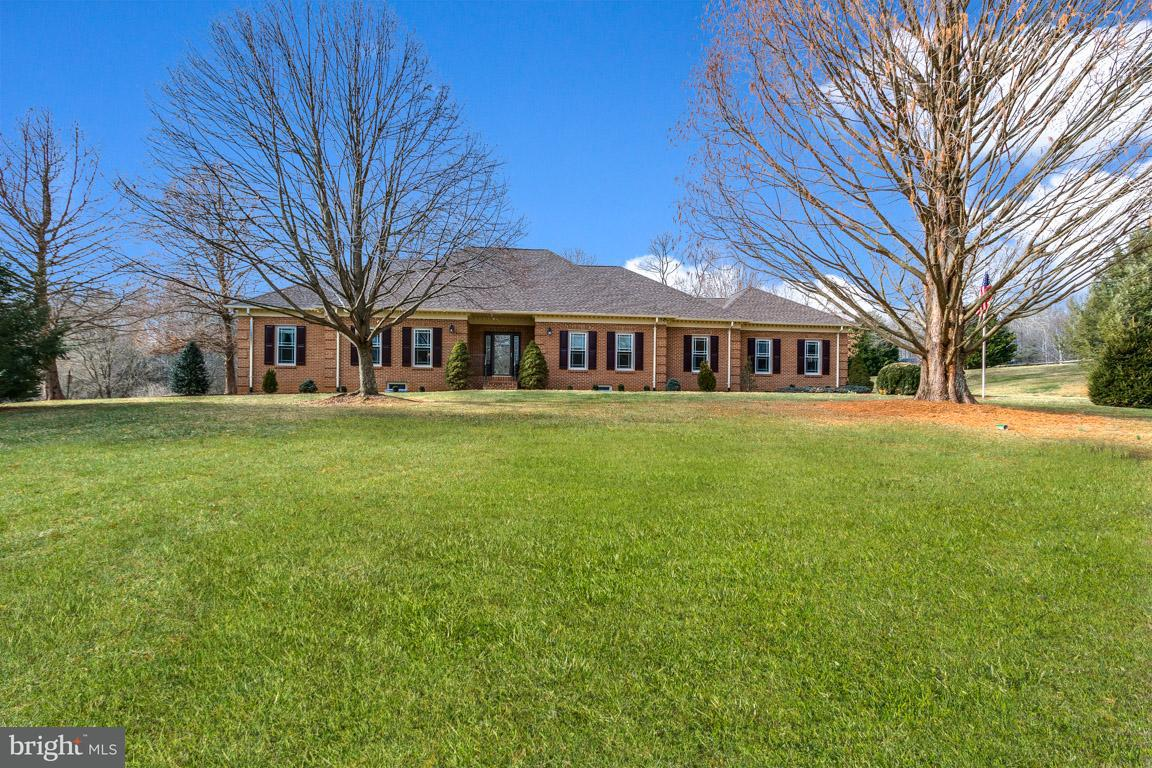 Single Family Home for Sale at 17486 Berkshire Drive 17486 Berkshire Drive Jeffersonton, Virginia 22724 United States