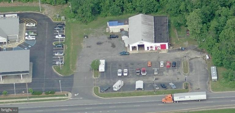 Commercial for Sale at 5925 Crain Hwy La Plata, Maryland 20646 United States