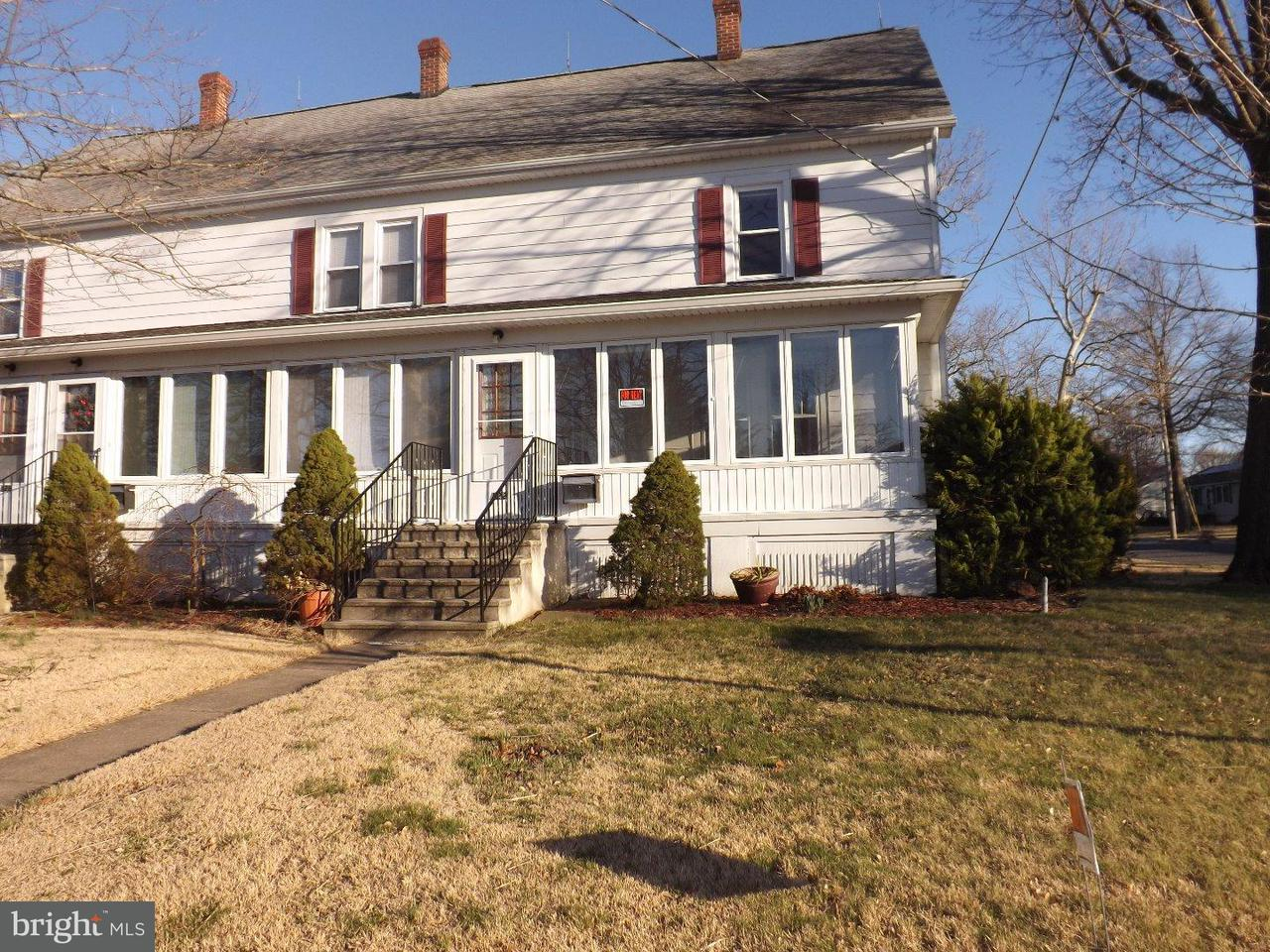 Triplex for Rent at 122 N RIVER Drive Pennsville, New Jersey 08070 United States