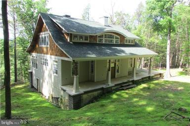 Single Family for Sale at 1329 Foxes Den Rd High View, West Virginia 26808 United States