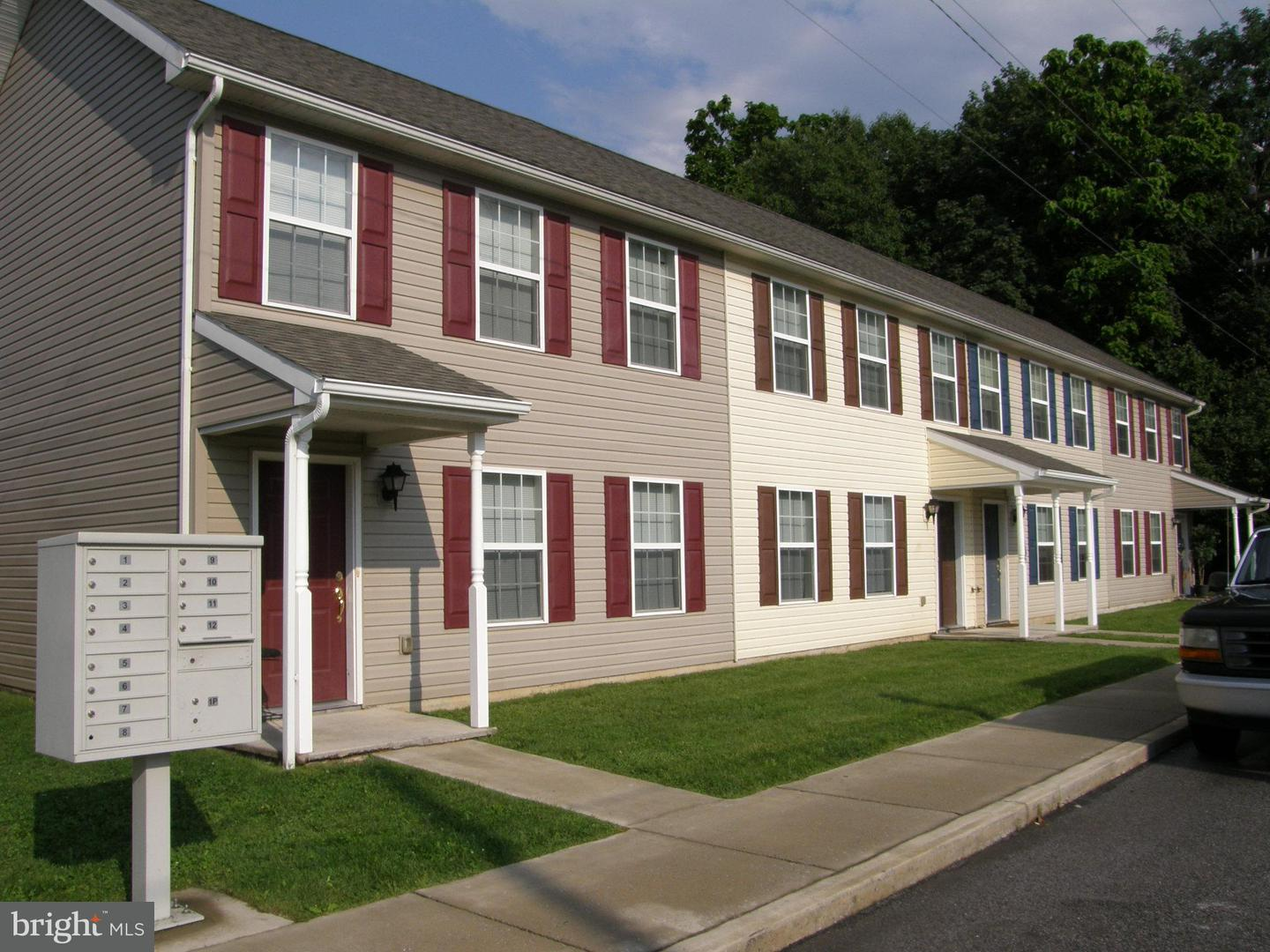 Commercial for Sale at 121-147 Seneca - Earl St S Shippensburg, Pennsylvania 17257 United States