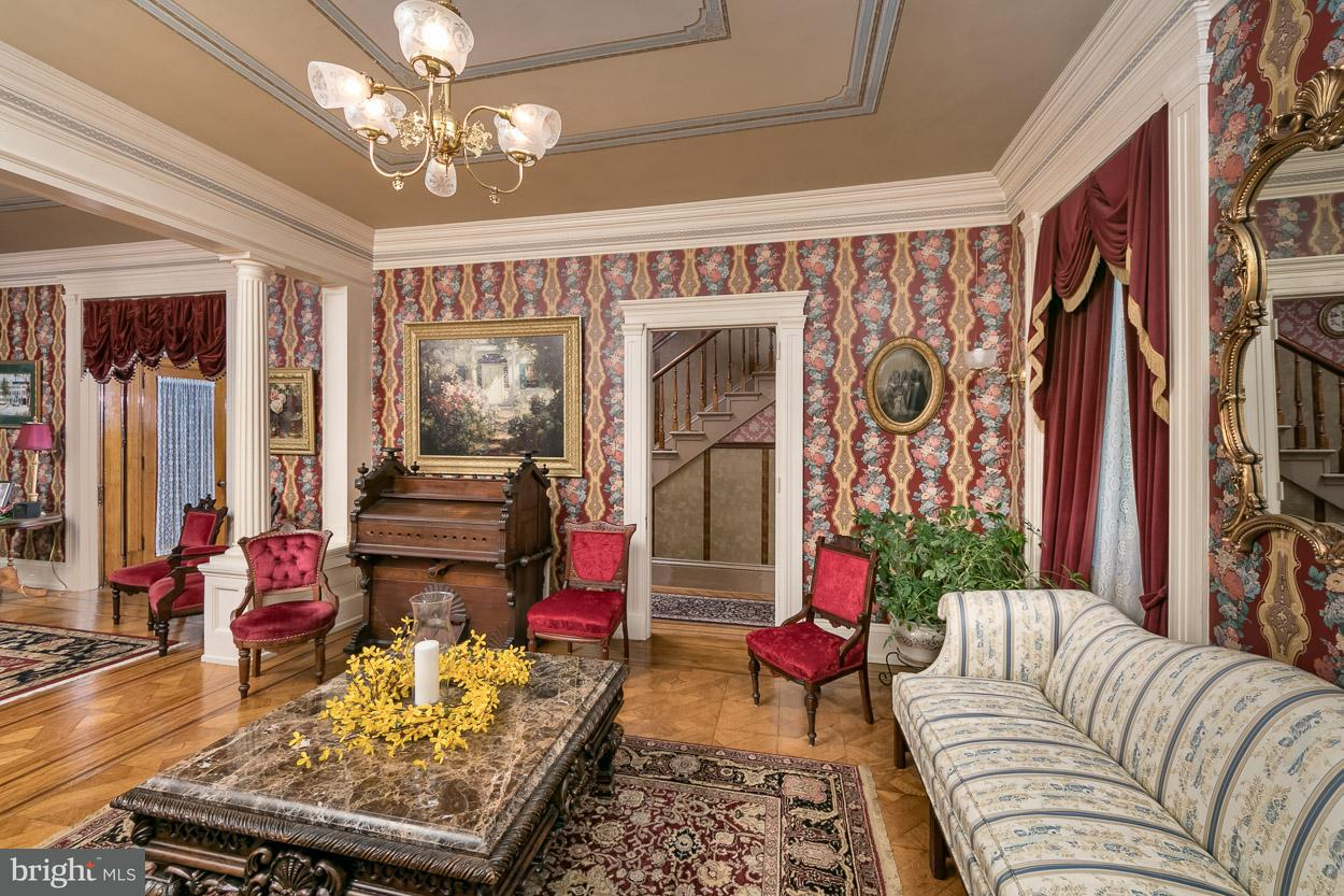 Villa per Vendita alle ore 3342 N George Street 3342 N George Street Emigsville, Pensilvania 17406 Stati Uniti