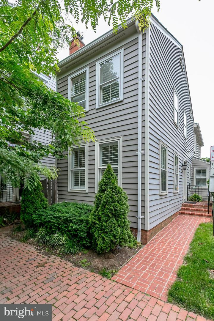 Single Family for Sale at 309 Columbus St S Alexandria, Virginia 22314 United States