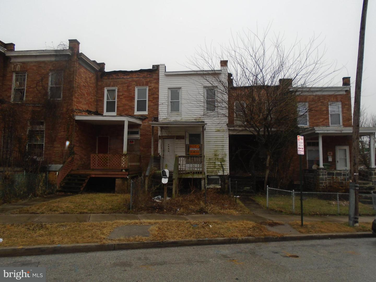 Single Family for Sale at 990 Franklintown Rd N Baltimore, Maryland 21216 United States