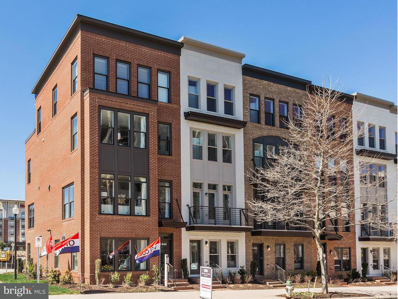 Townhouse for Sale at 918 W. King Farm Drive 918 W. King Farm Drive Rockville, Maryland 20850 United States