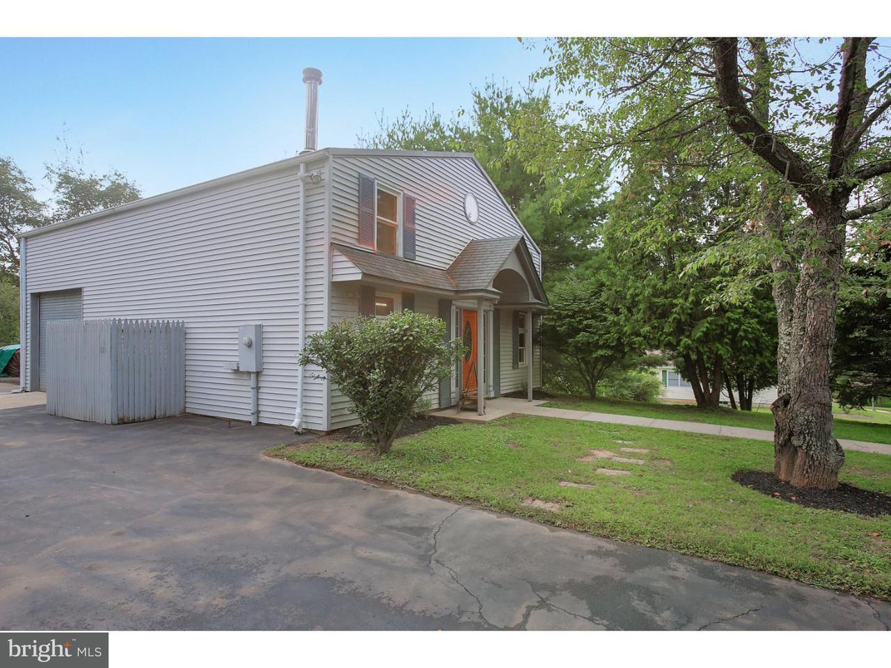 Maison unifamiliale pour l Vente à 315 SUMMER Road Branchburg Township, New Jersey 08853 États-Unis
